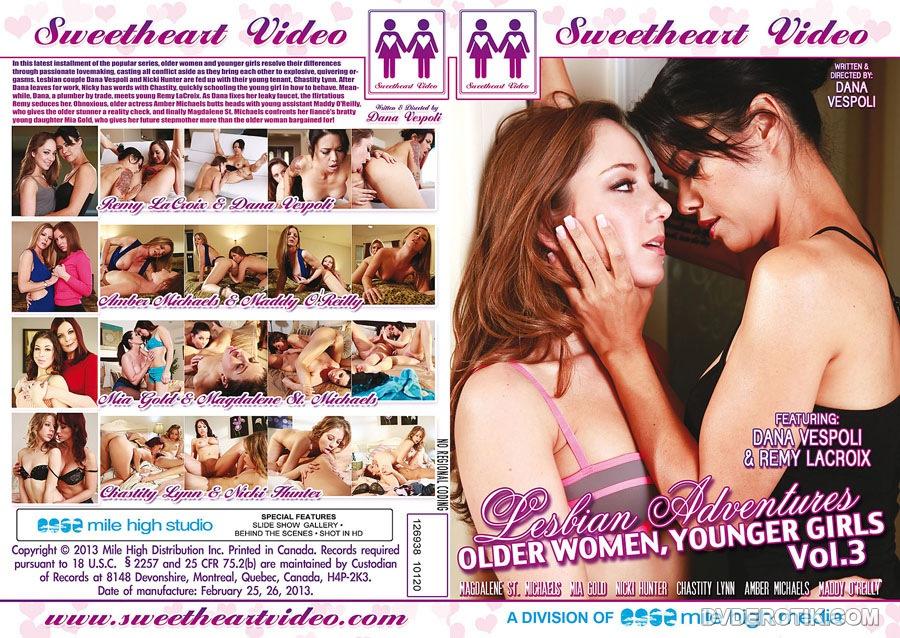 girl-hunting-lesbian-mature-diva-naked-torrie-wilson